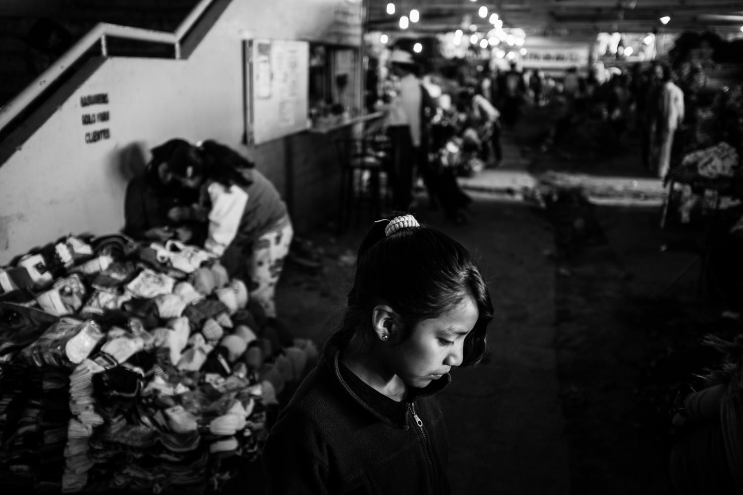 Art and Documentary Photography - Loading guerra_mercado_44.jpg