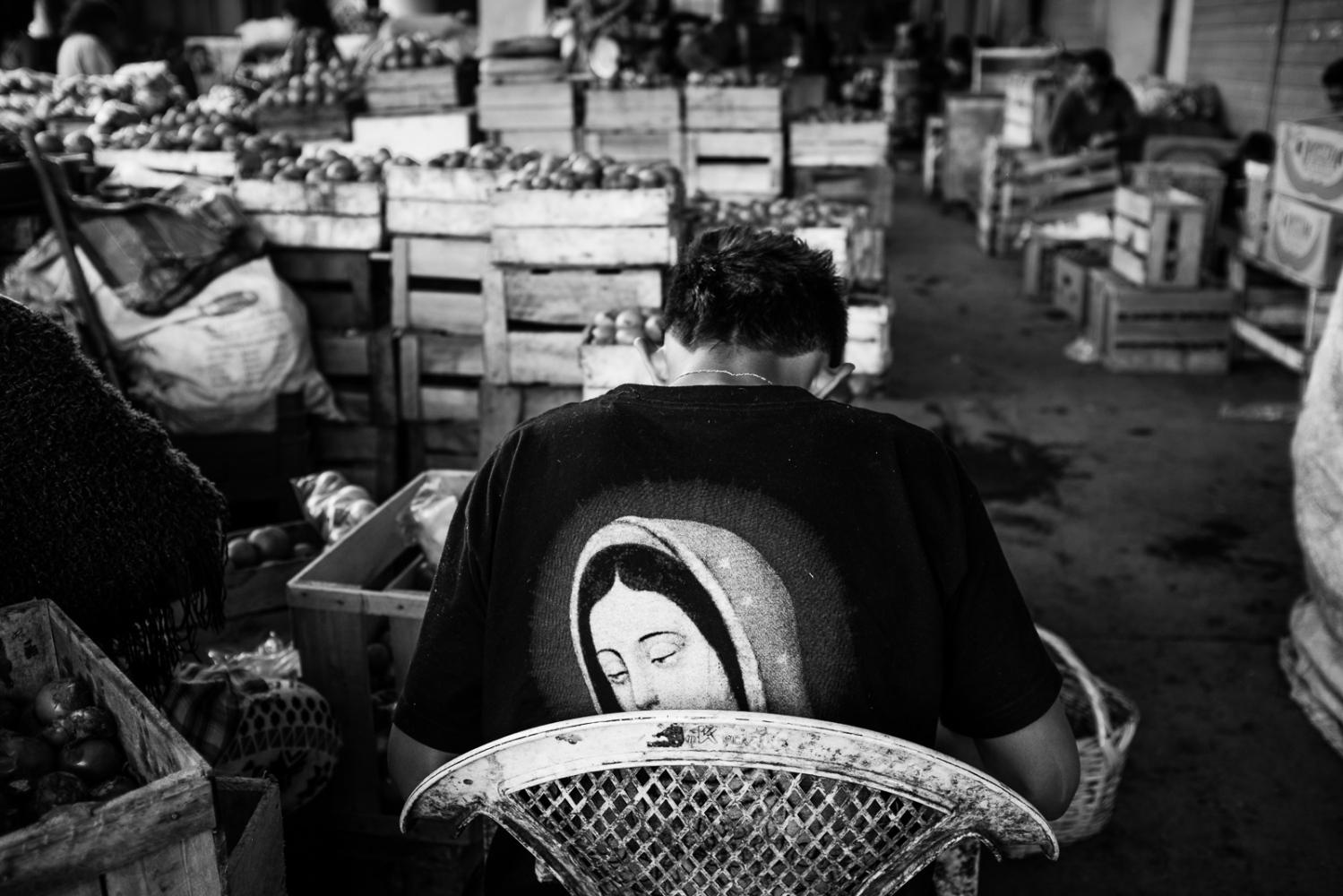Art and Documentary Photography - Loading guerra_mercado_50.jpg