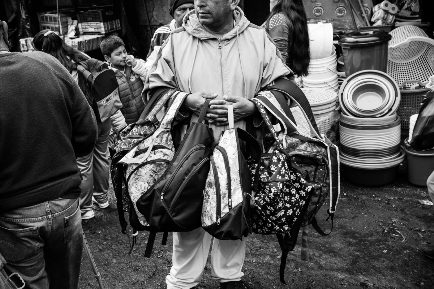 Art and Documentary Photography - Loading guerra_mercado_52.jpg