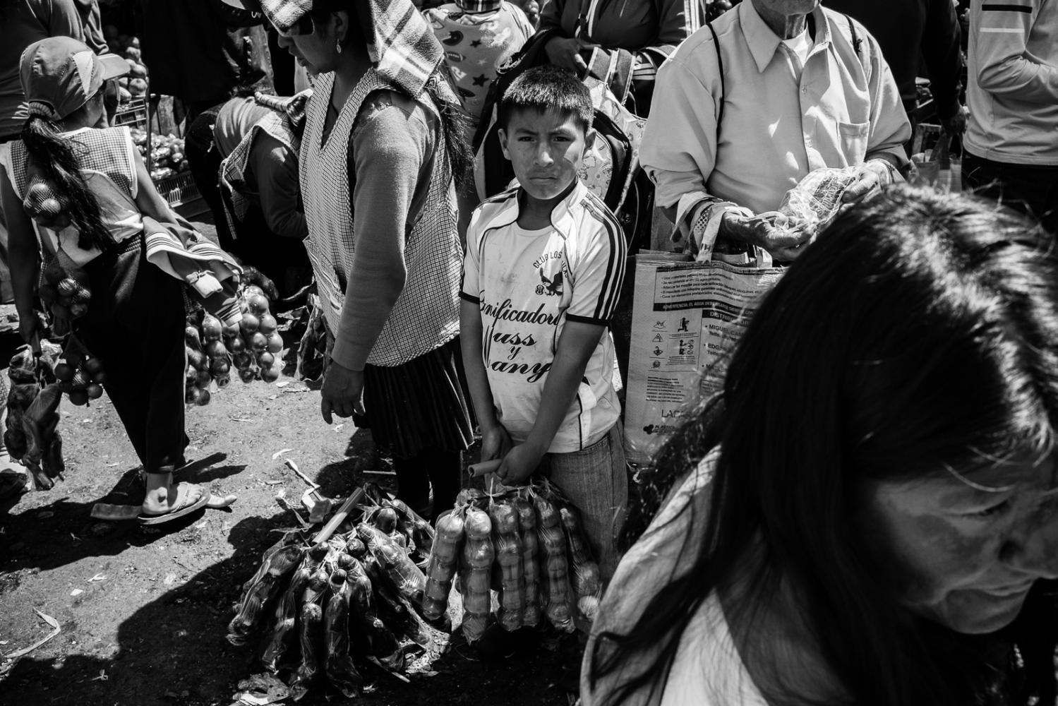 Art and Documentary Photography - Loading guerra_mercado_54.jpg