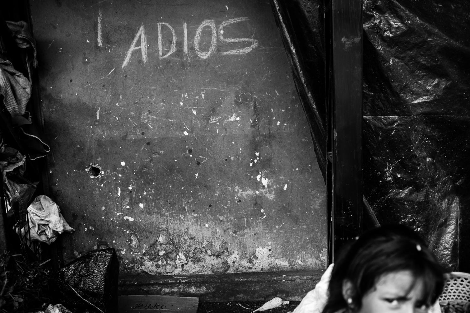 Art and Documentary Photography - Loading guerra_mercado_63.jpg