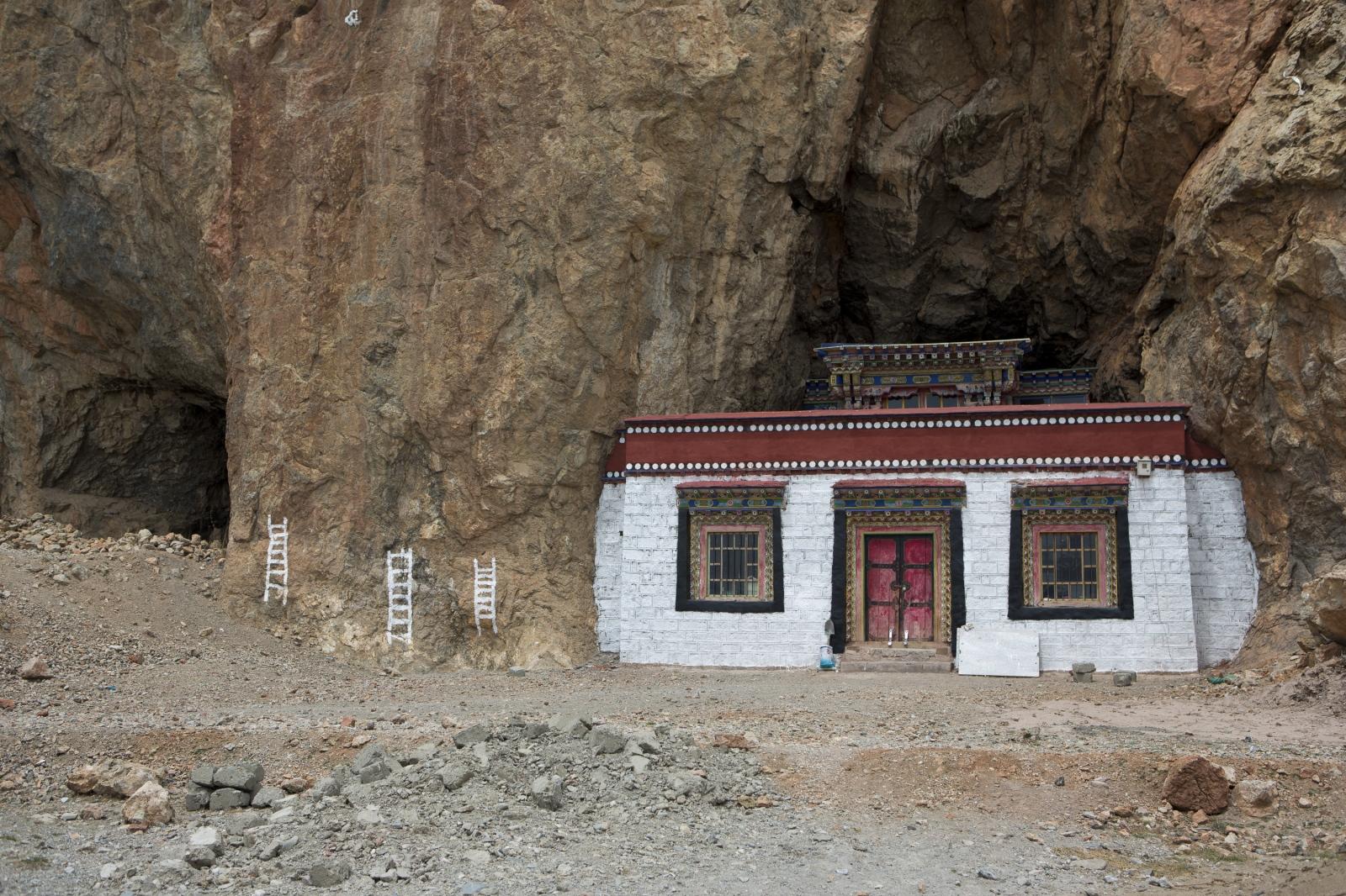 Art and Documentary Photography - Loading tibet-14.jpg
