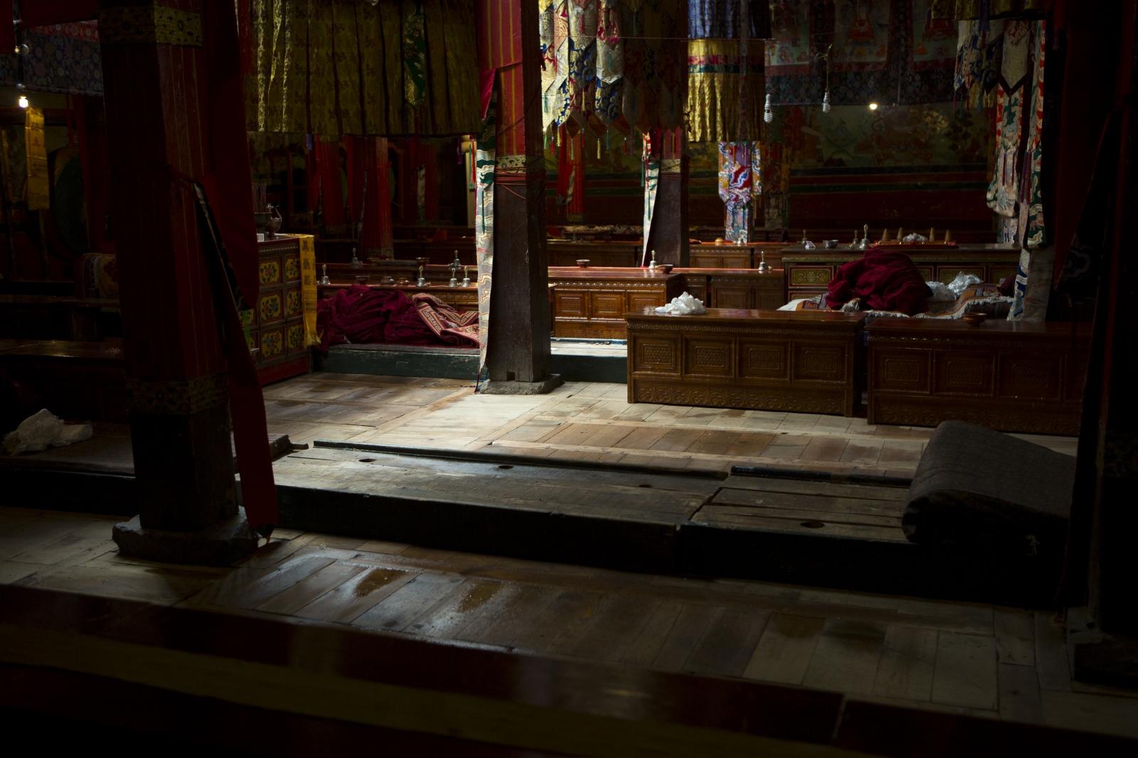 Art and Documentary Photography - Loading tibet-15.jpg