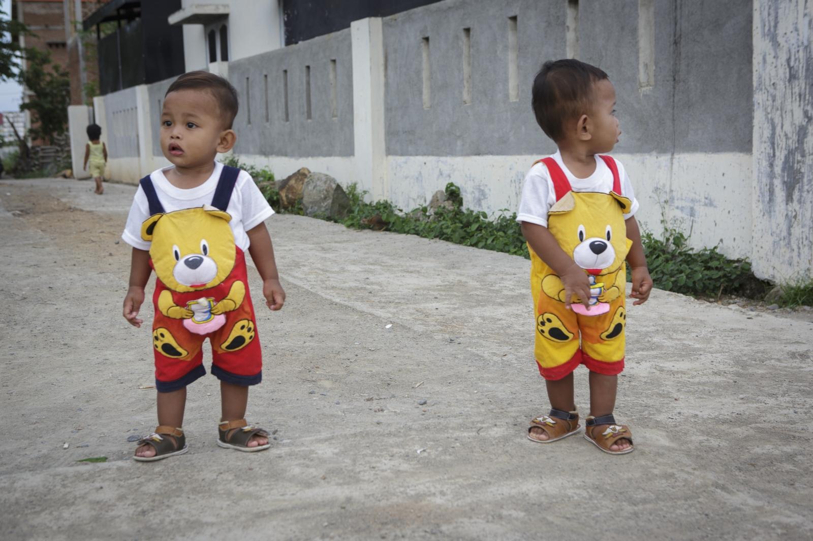 Art and Documentary Photography - Loading indonesia-6.jpg