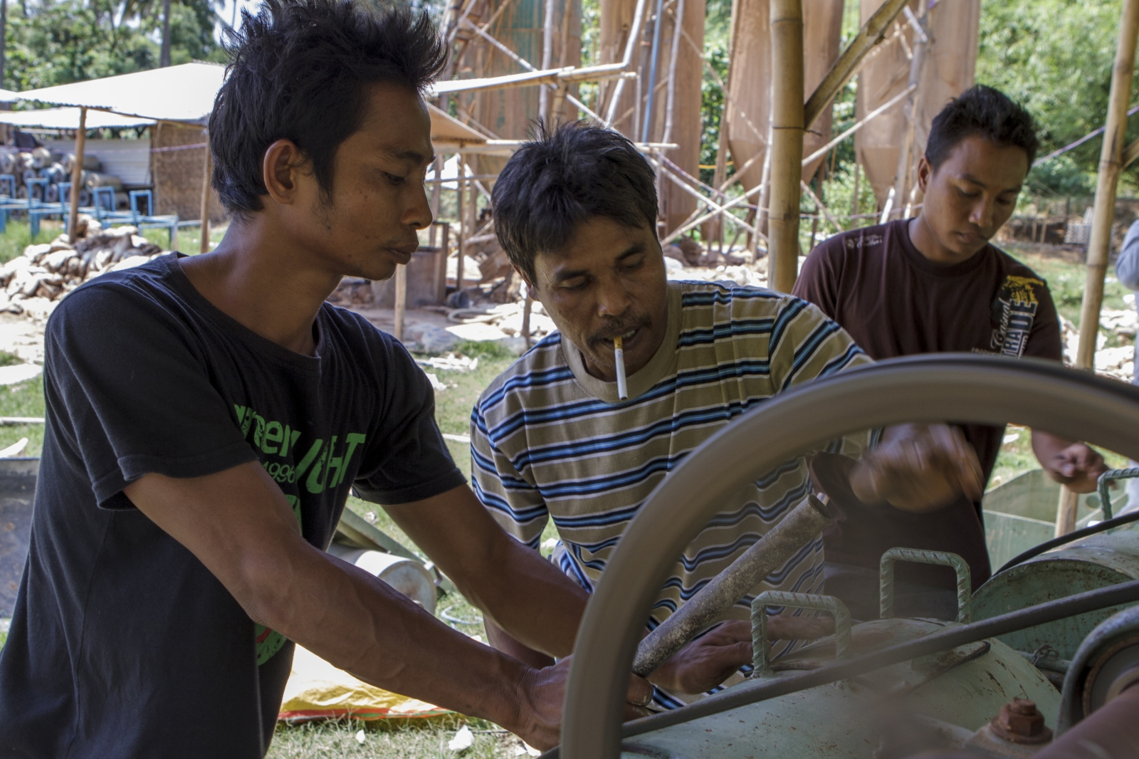 Art and Documentary Photography - Loading indonesia-9.jpg