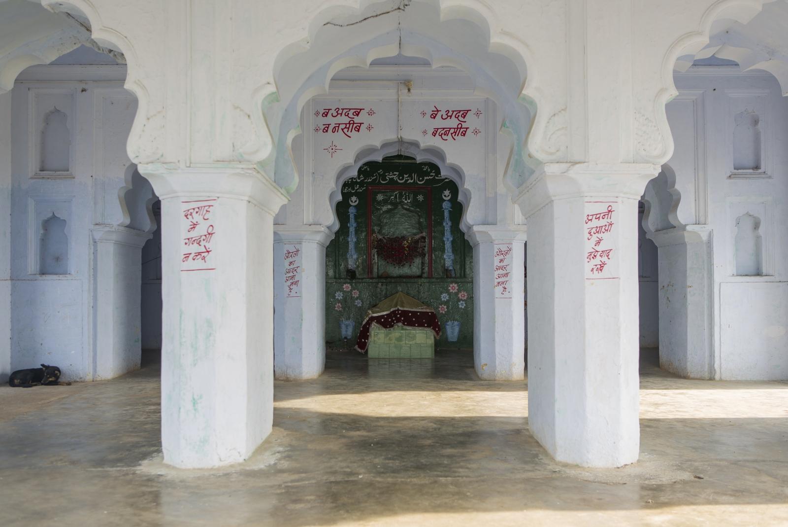 Art and Documentary Photography - Loading india-2.jpg