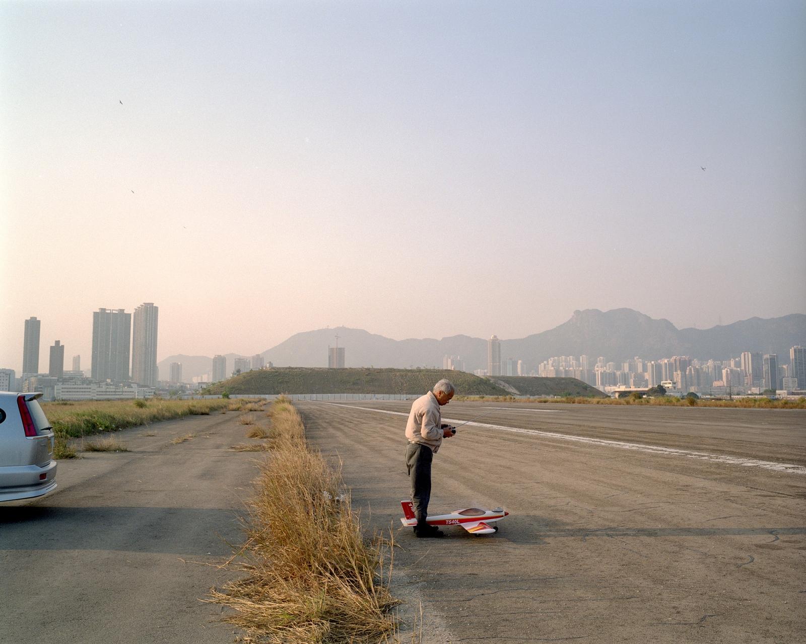 Art and Documentary Photography - Loading kaitak_06.JPG