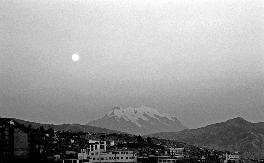 Art and Documentary Photography - Loading Illimani02.jpg