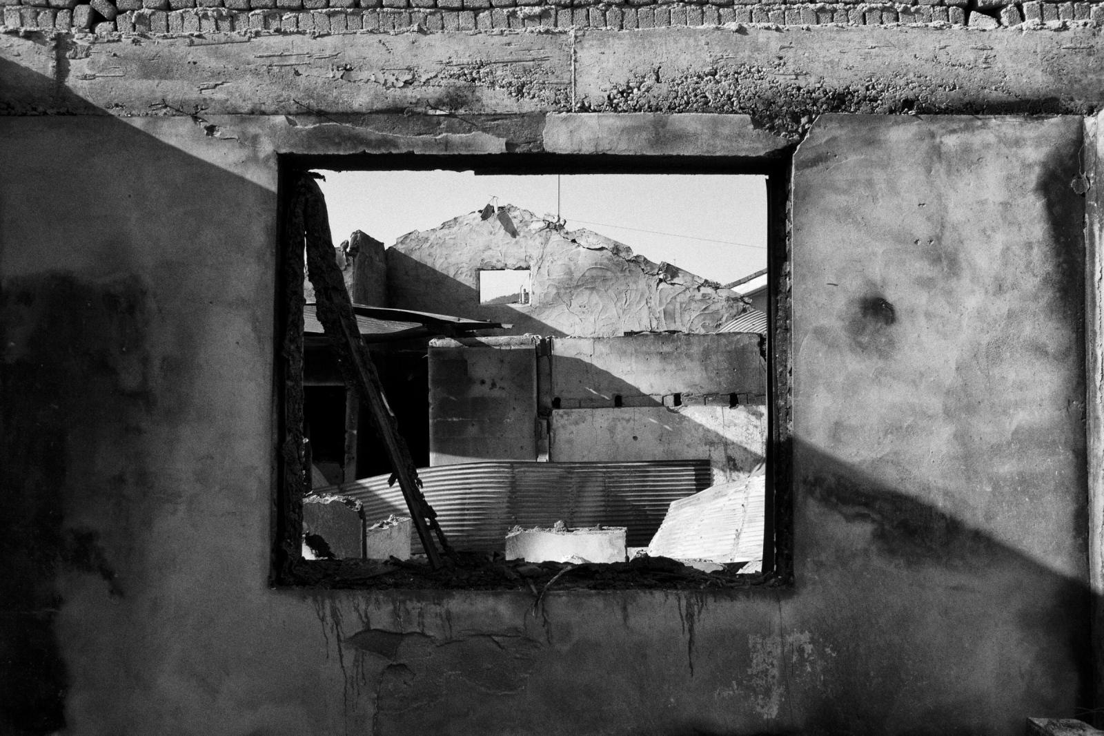 Art and Documentary Photography - Loading YeonpyeongIsland_LoRes_02.jpg