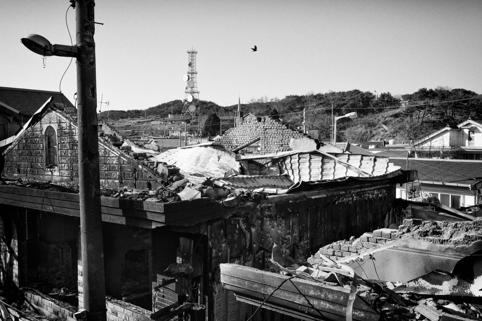 Art and Documentary Photography - Loading YeonpyeongIsland_LoRes_04.jpg