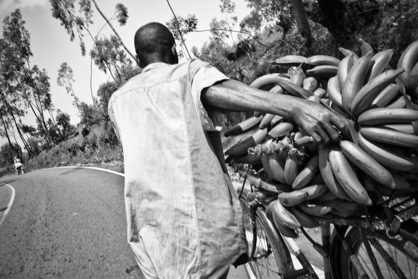 Art and Documentary Photography - Loading Rwanda_B&W_LoRes_22.jpg