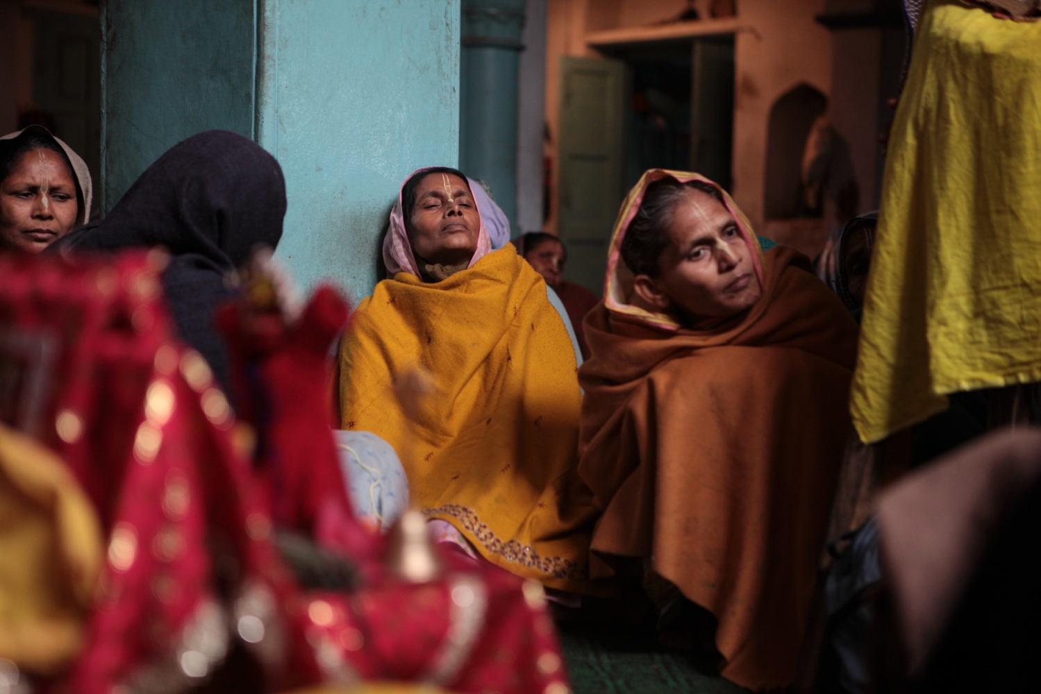 The widows live in constant fear of the temple guards who may, at free will, deprive them entrance or expel them out without pay. The daily earnings of six rupees fail to support a living, leaving the widows no recourse but to beg on the streets.