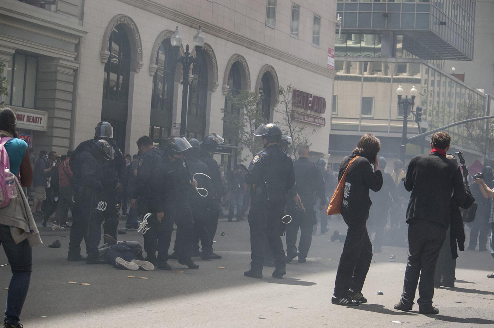 Art and Documentary Photography - Loading 12 oakland riots 1.jpg