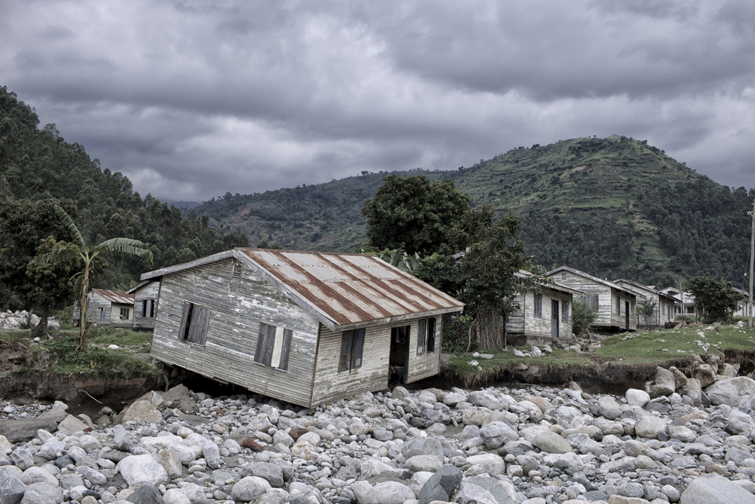 Art and Documentary Photography - Loading Fotovisura Grant 2015_ABANDONED after the fury of the flood_010.JPG