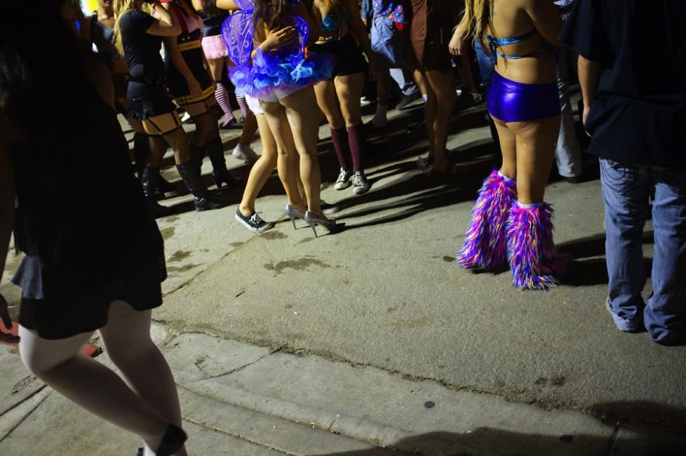 Photography image - Loading costumesandredcups_epr_003.jpg