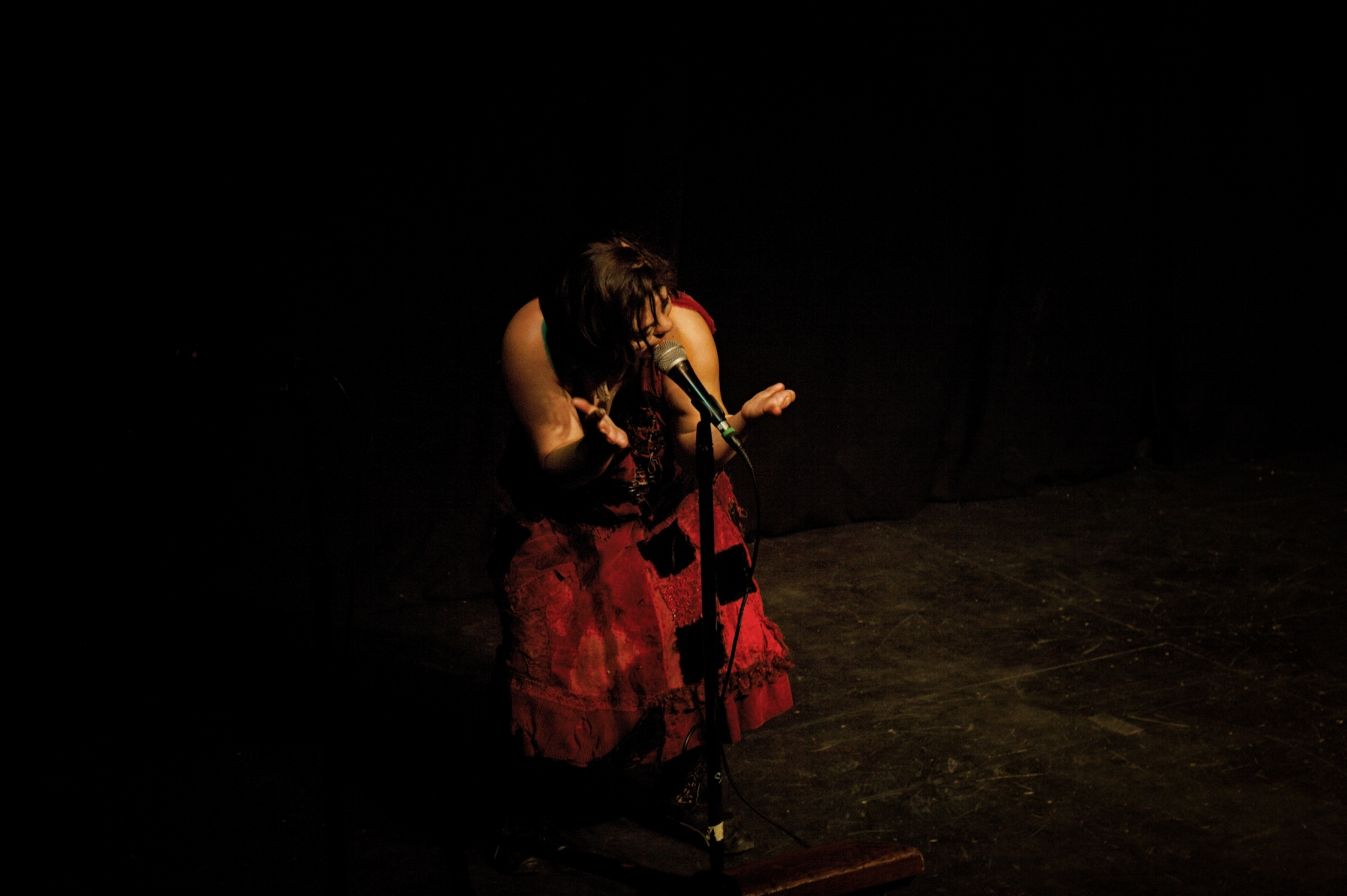 "Nati Amos the Patchwork Girl performing during Super Freak Weekend. Super Freak Weekend features performers who were born different. Amos was born with only one or two fingers, depending on how one defines ""fingers."""