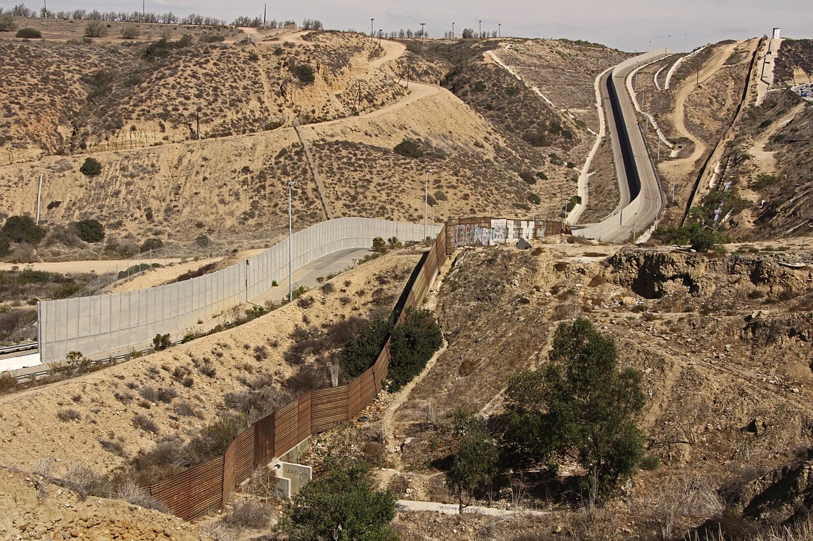 Art and Documentary Photography - Loading 3.Tijuana Double 2014.jpg