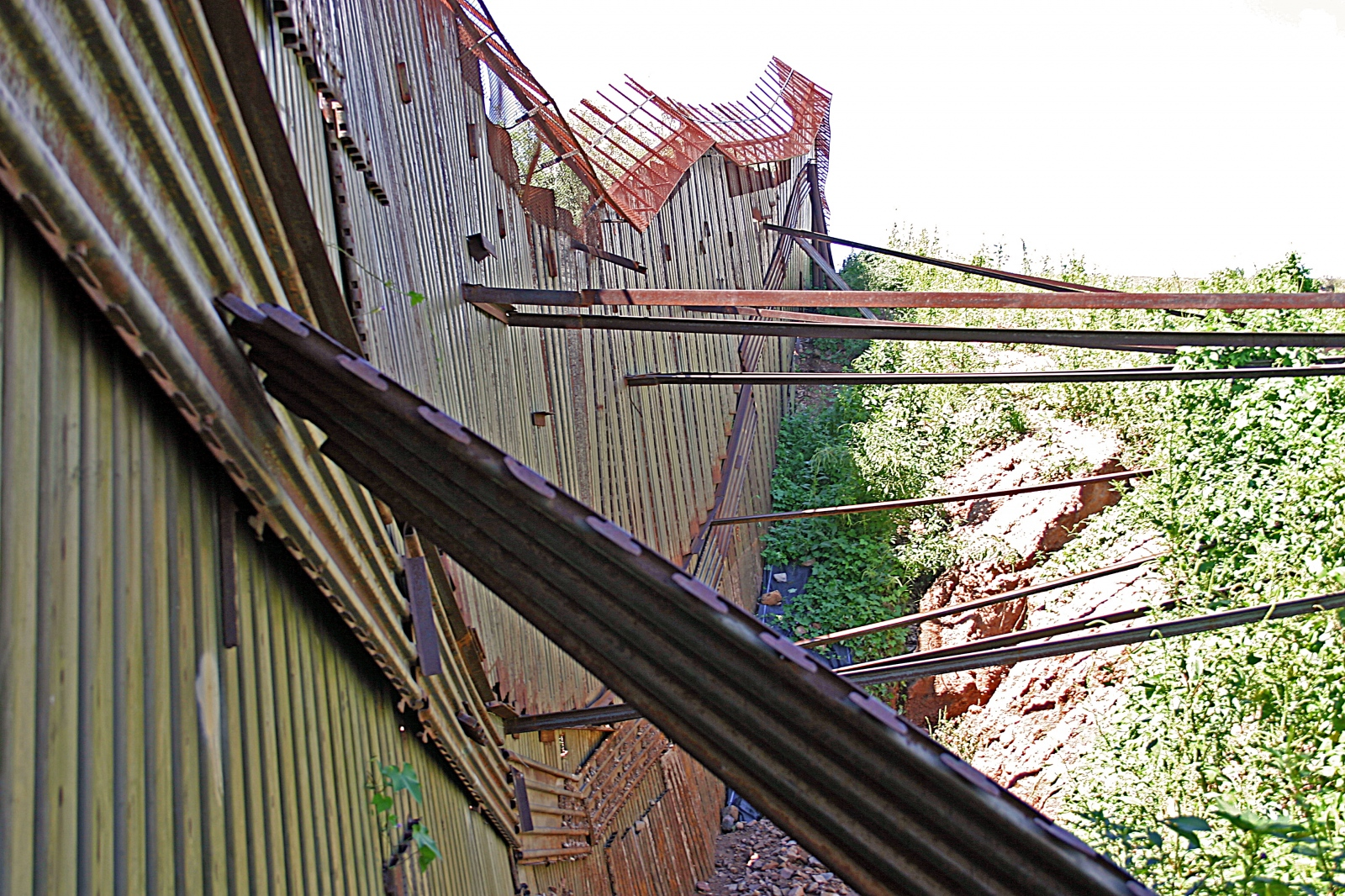 Art and Documentary Photography - Loading 26.Nogales Chaos 2006.jpg