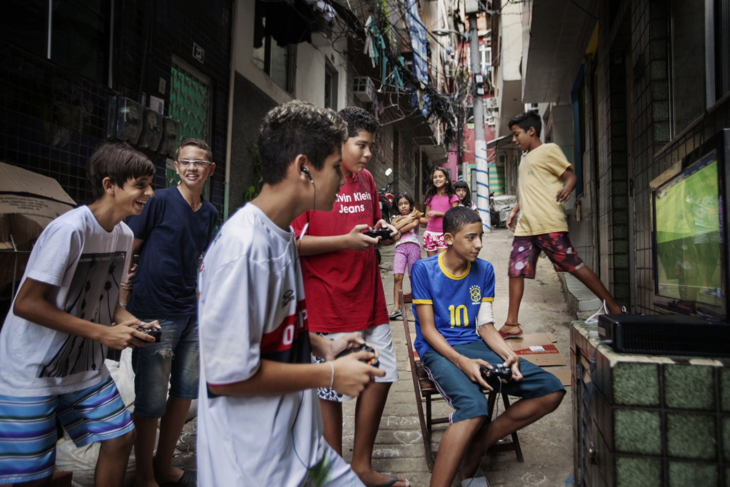 Art and Documentary Photography - Loading Rio_04.jpg