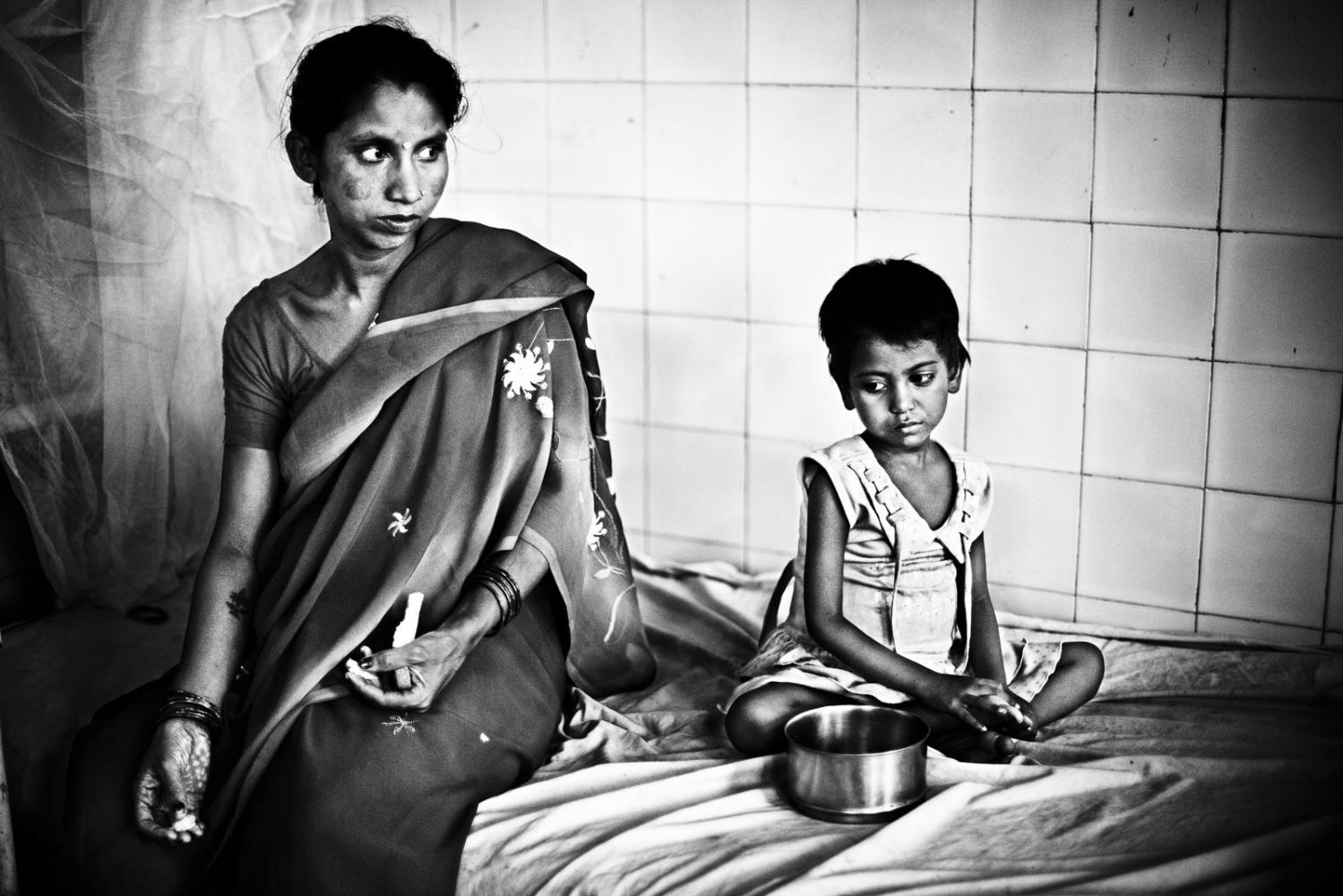 Art and Documentary Photography - Loading Kala Azar - black fever - fiebre negra - Leishmaniasis - David Rengel-04.jpg