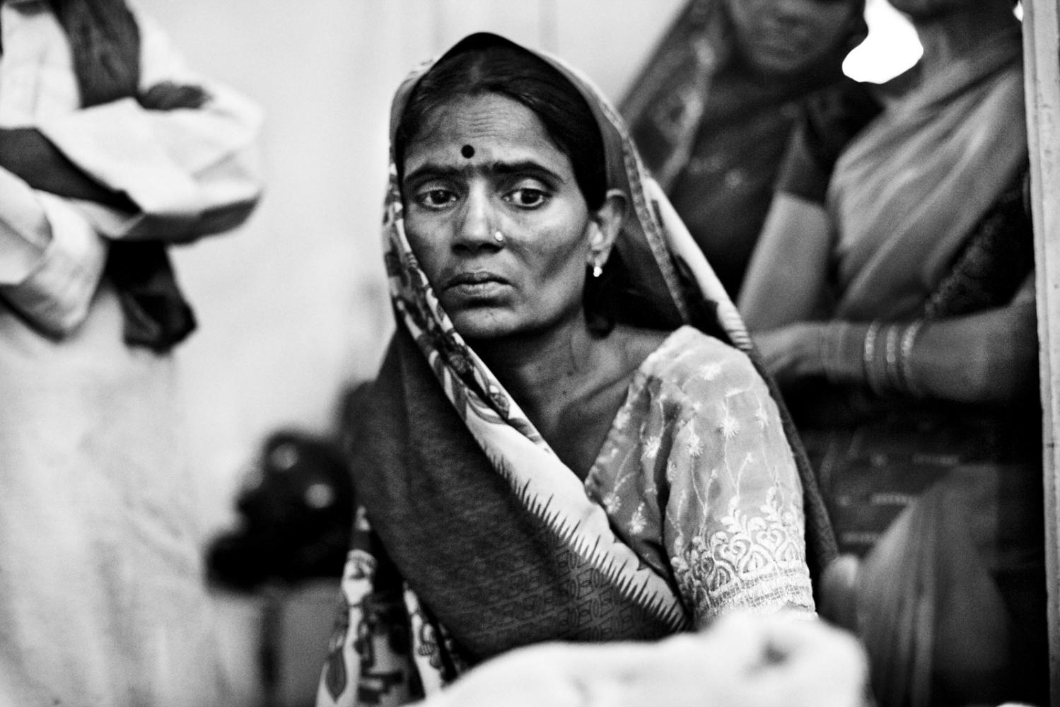 Art and Documentary Photography - Loading Kala Azar - black fever - fiebre negra - Leishmaniasis - David Rengel-10.jpg