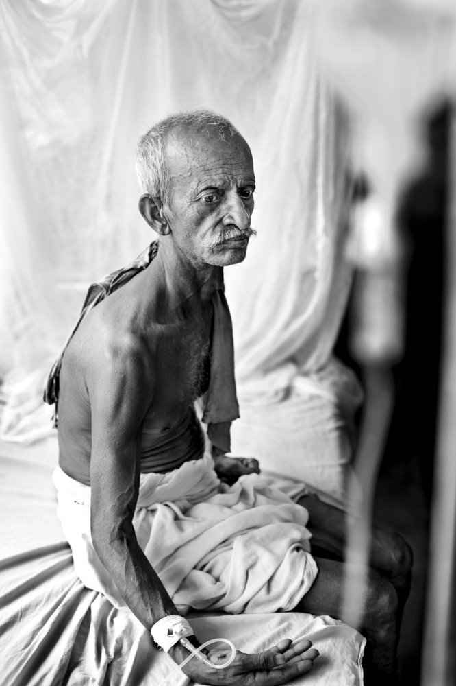 Art and Documentary Photography - Loading Kala Azar - black fever - fiebre negra - Leishmaniasis - David Rengel-18.jpg