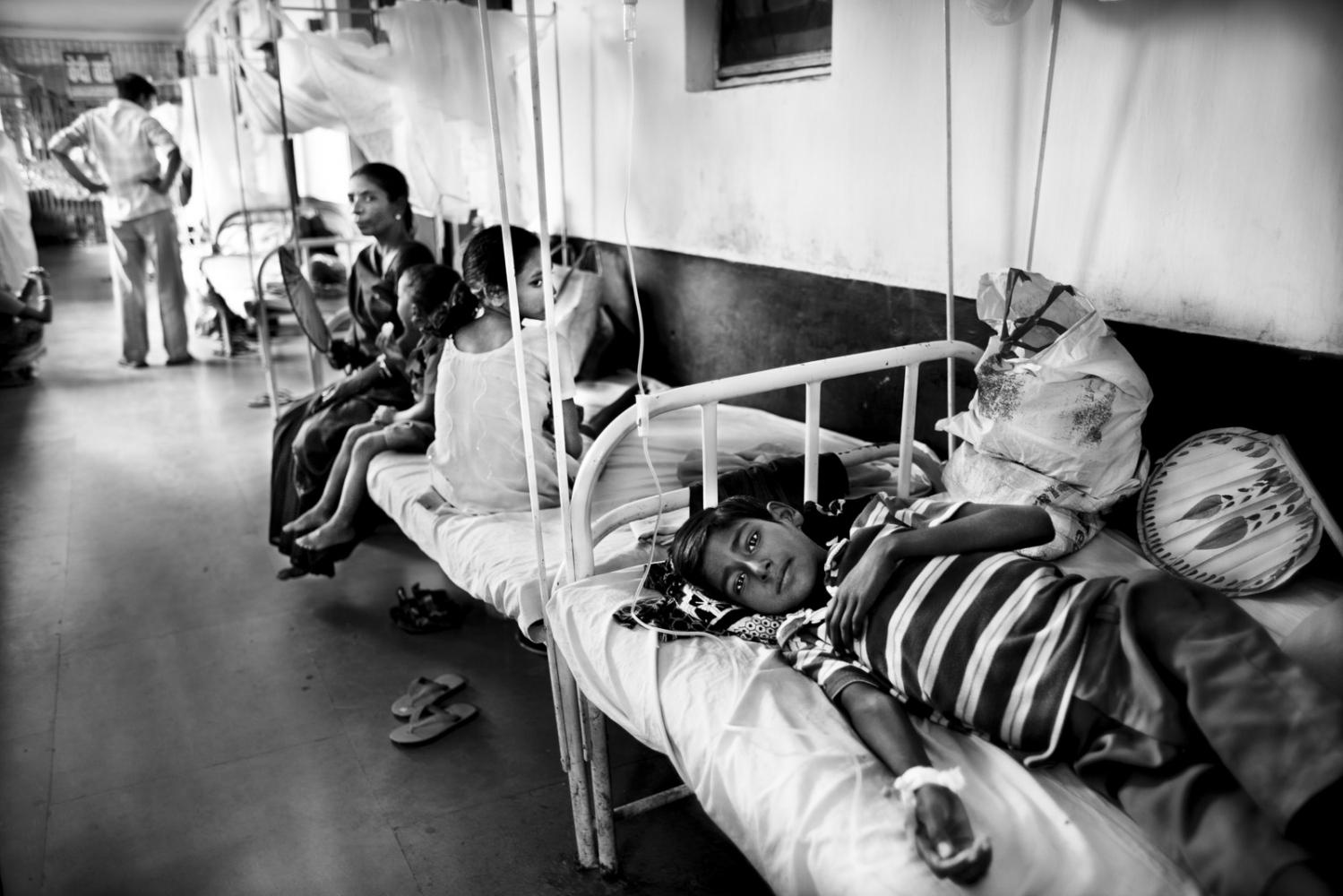 Art and Documentary Photography - Loading Kala Azar - black fever - fiebre negra - Leishmaniasis - David Rengel-23.jpg