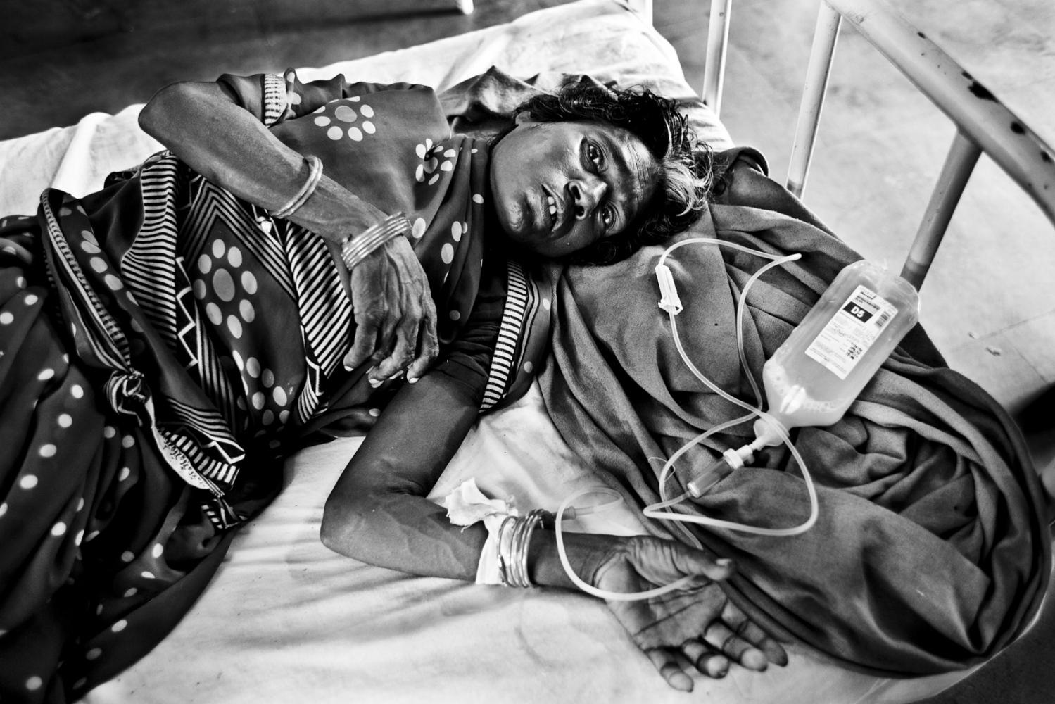 Art and Documentary Photography - Loading Kala Azar - black fever - fiebre negra - Leishmaniasis - David Rengel-27.jpg