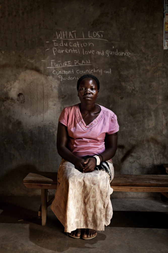 Art and Documentary Photography - Loading Future Plans - Planes de Futuro - Uganda - Ex-childsoldiers - David Rengel-02.jpg
