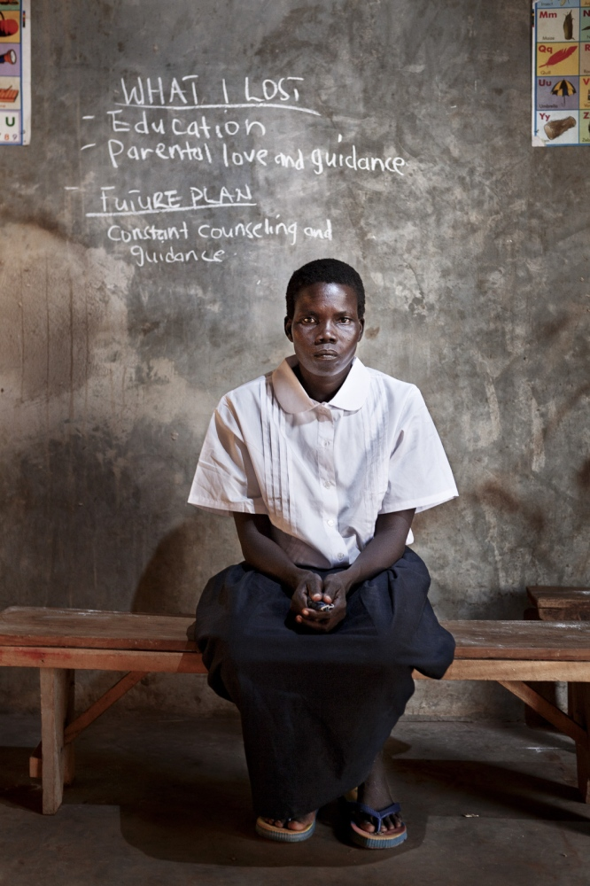 Art and Documentary Photography - Loading Future Plans - Planes de Futuro - Uganda - Ex-childsoldiers - David Rengel-03.jpg