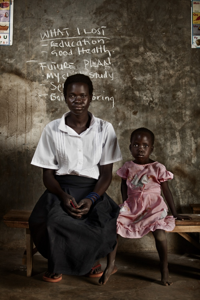 Art and Documentary Photography - Loading Future Plans - Planes de Futuro - Uganda - Ex-childsoldiers - David Rengel-04.jpg