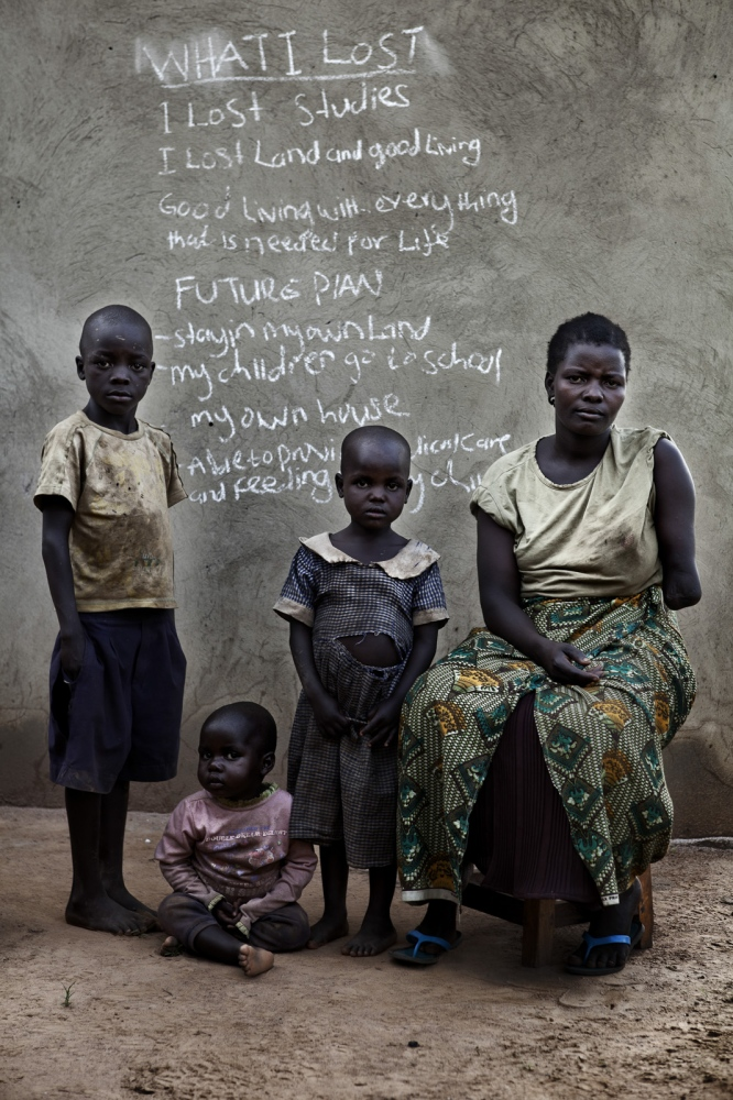Art and Documentary Photography - Loading Future Plans - Planes de Futuro - Uganda - Ex-childsoldiers - David Rengel-05.jpg