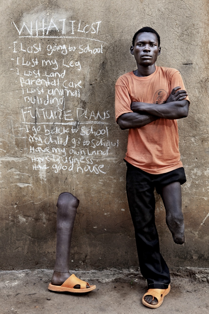 Art and Documentary Photography - Loading Future Plans - Planes de Futuro - Uganda - Ex-childsoldiers - David Rengel-16.jpg