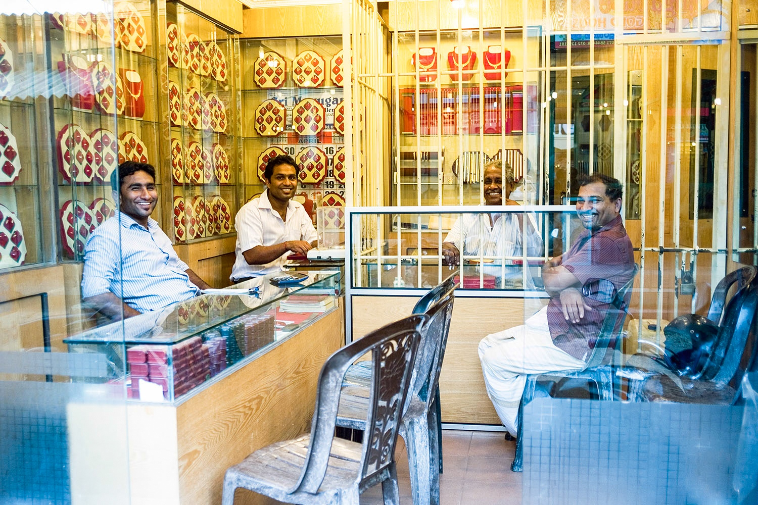 A family run jewelry business in the centre of Puttalam. In October 1990, The LTTE announced that the Muslim community of Jaffna Penisula, in the Northern Privince had 24 hours to leave their homes. Many of the displaced Muslim community settled in Puttalam. This was the largest forced eviction of Muslims during Sri Lankas civil war. Researchers estimate that close to 75,000 people were forced to leave without any of their belongings, land deeds or money totaling more that US$2.25.