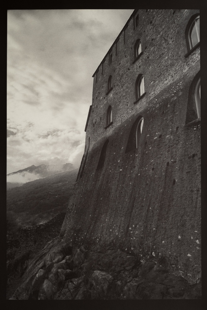 Art and Documentary Photography - Loading CastleGrande, Bellinzona.jpg