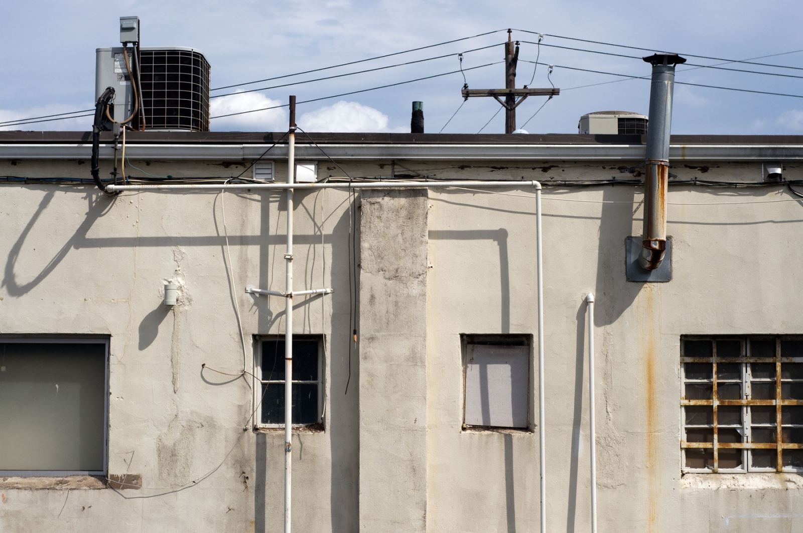 Art and Documentary Photography - Loading building-exterior-tappan-new-york.jpg