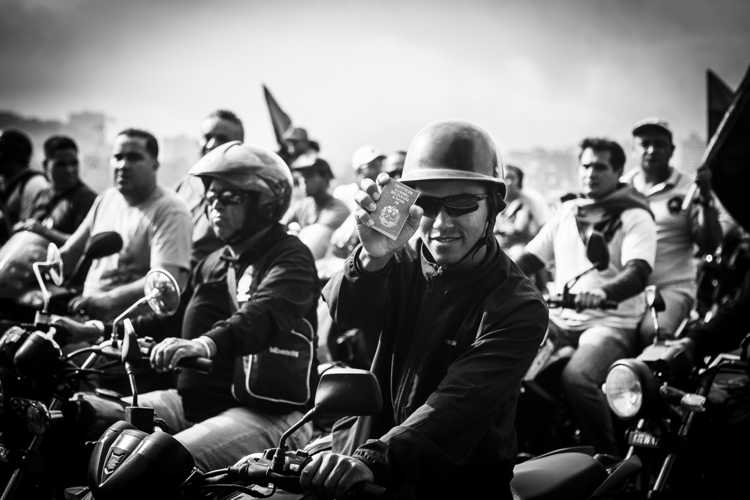 Art and Documentary Photography - Loading EL-2013-Caracas-58.jpg