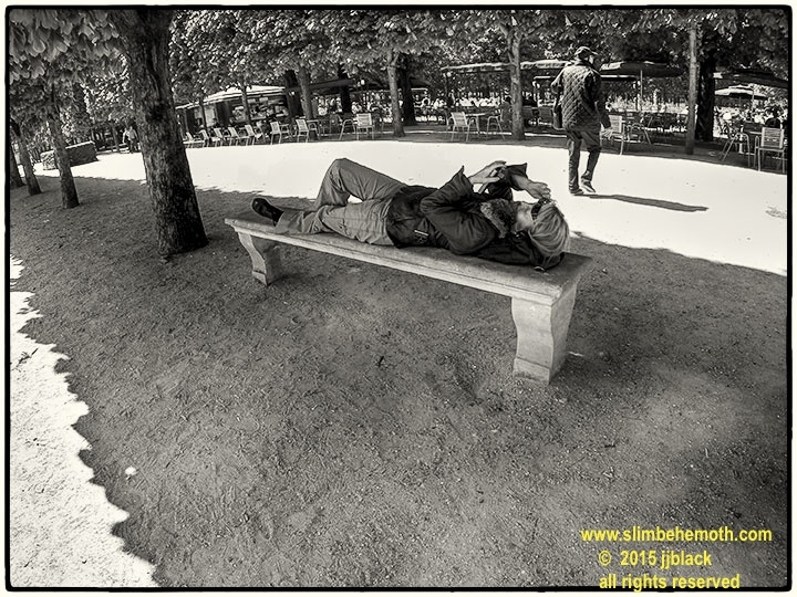 Art and Documentary Photography - Loading des_moments_de_paris_GOPR0520_0008.jpg