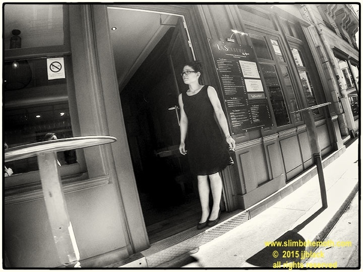 Art and Documentary Photography - Loading des_moments_de_paris_GOPR0664_0018.jpg