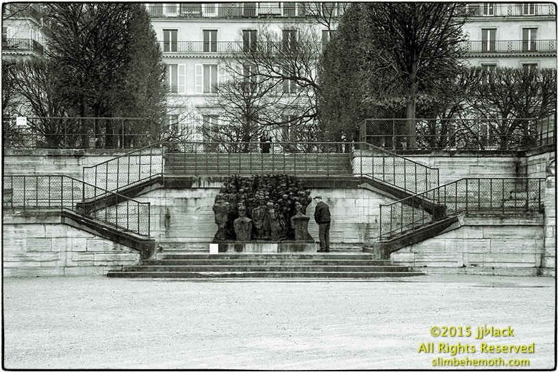 Art and Documentary Photography - Loading des_moments_de_paris_IMG_4346_0020.jpg