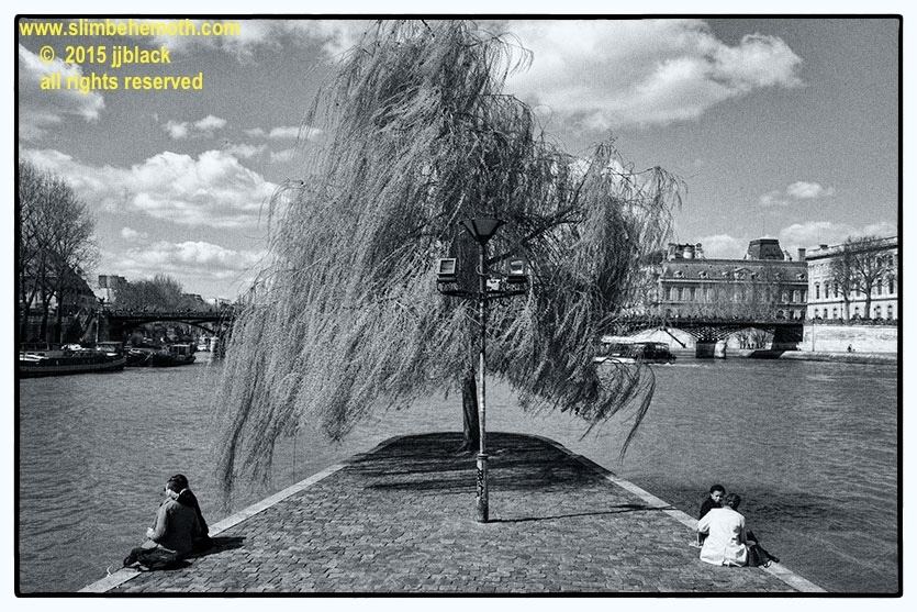 Art and Documentary Photography - Loading des_moments_de_paris_IMG_4390_0024.jpg