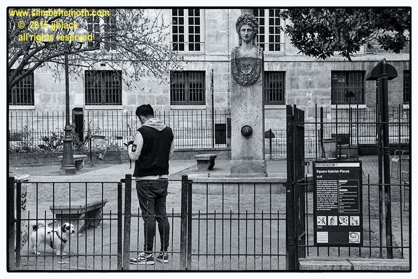 Art and Documentary Photography - Loading des_moments_de_paris_IMG_4404_0027.jpg