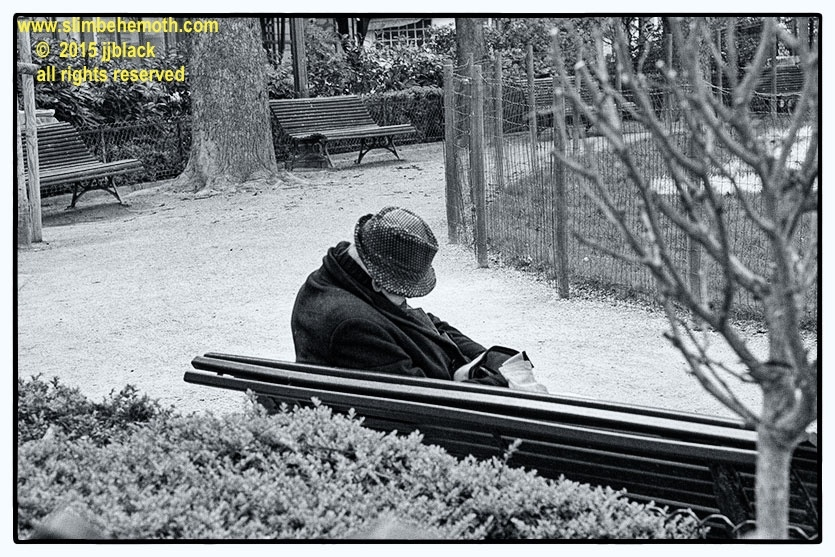 Art and Documentary Photography - Loading des_moments_de_paris_IMG_4436_0030.jpg
