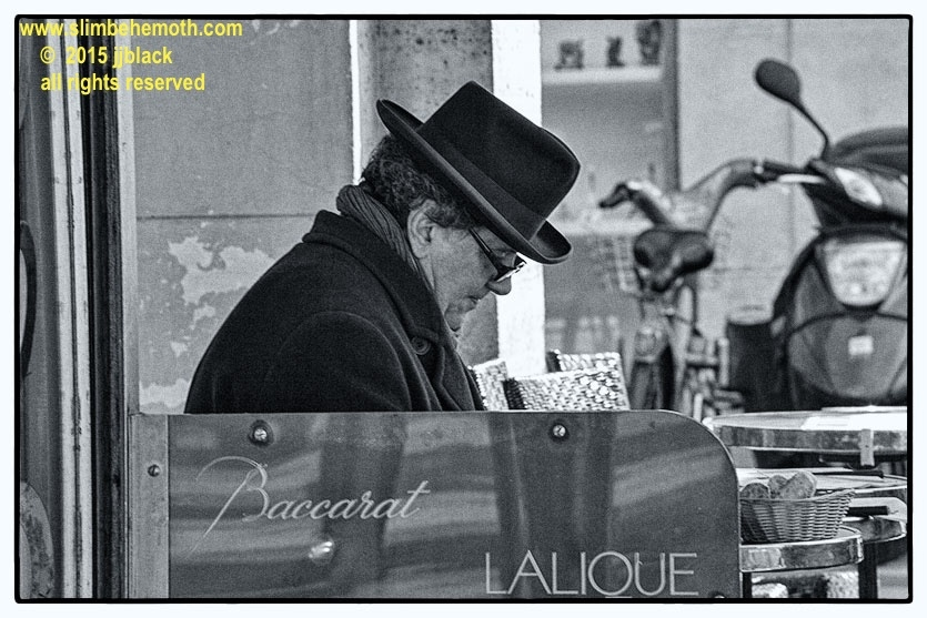 Art and Documentary Photography - Loading des_moments_de_paris_IMG_4468_0033.jpg