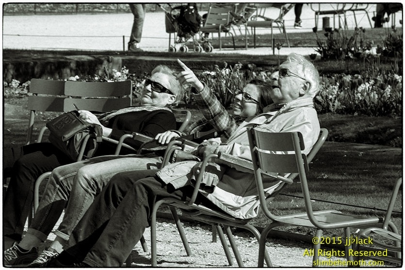 Art and Documentary Photography - Loading des_moments_de_paris_IMG_4580_0040.jpg