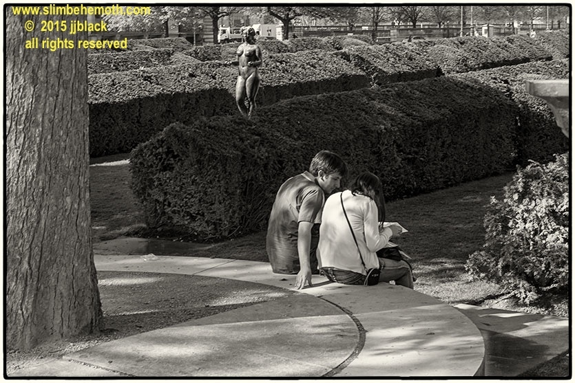 Art and Documentary Photography - Loading des_moments_de_paris_IMG_4587_0043.jpg