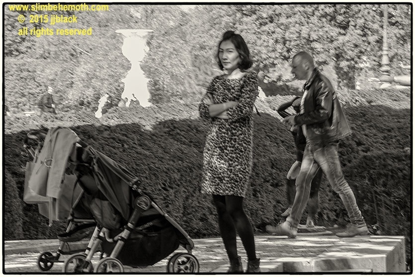 Art and Documentary Photography - Loading des_moments_de_paris_IMG_4589_0044.jpg