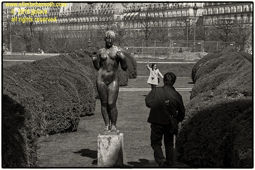 Art and Documentary Photography - Loading des_moments_de_paris_IMG_4593_0051.jpg