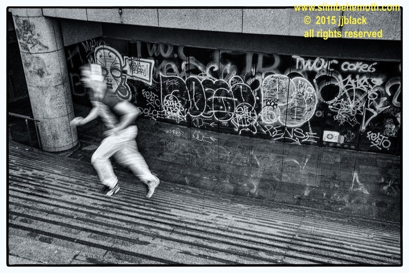 Art and Documentary Photography - Loading des_moments_de_paris_IMG_4652_0002.jpg