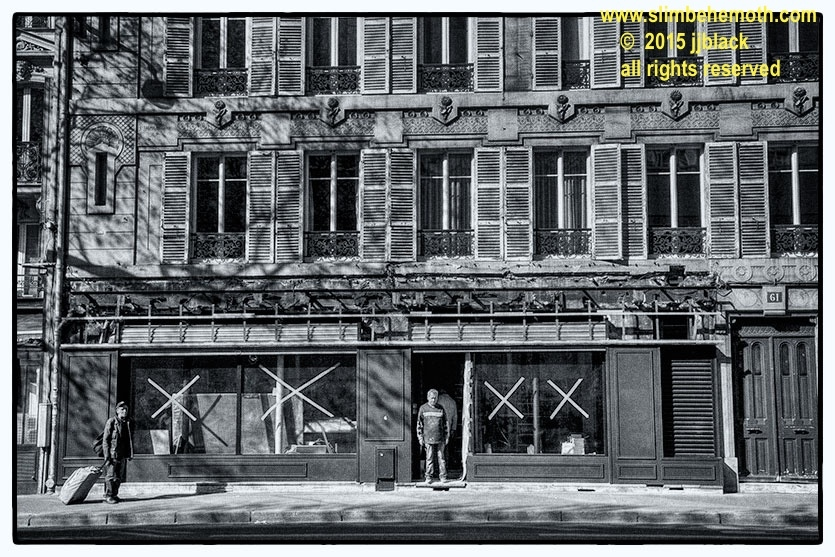 Art and Documentary Photography - Loading des_moments_de_paris_IMG_4665_0001.jpg